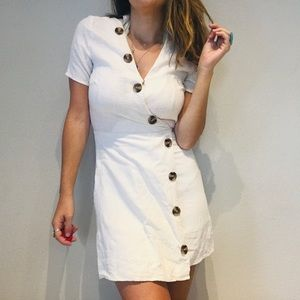Anthro Moon River tortoise button white boho dress